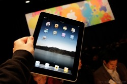 Apple topples HP's PC sales with its iPad sales